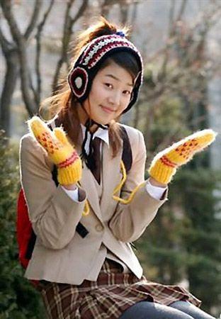 正文    韩智慧在《新娘18岁》里扮另类学生妹,有点小野蛮有点小可爱