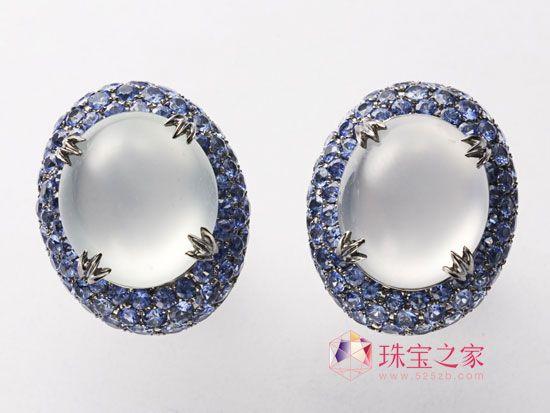 翡翠耳环+戒指简约而现代,华丽却不显浮夸,是此对耳环设计灵